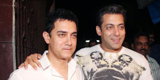 MUMBAI, INDIA � SEPTEMBER 6: Aamir Khan and Salman Khan at the special preview of the film 'Dabaang' in Mumbai on September 6, 2010. (Photo by Yogen Shah/India Today Group/Getty Images)
