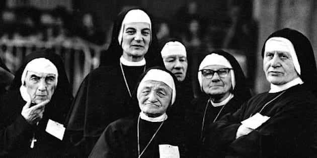 A group of nuns, Turin, 1978. (Photo by Romano Cagnoni/Hulton Archive/Getty Images)