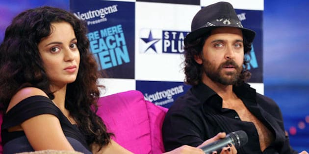 (L-R) Indian actors Kangana Ranaut and Hrithik Roshan do an interview regarding the TV show �TERE MERE BEACH MAIN� (TV show) at Filmcity Studio in Mumbai on August 16, 2009. AFP PHOTO/STR. (Photo credit should read STR/AFP/Getty Images)