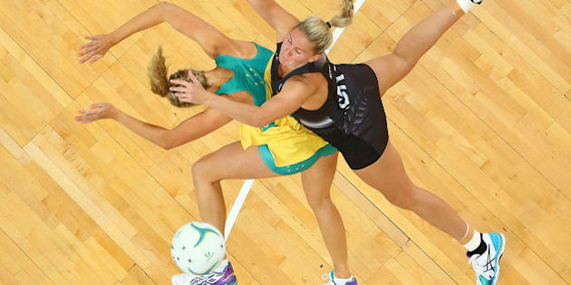 MELBOURNE, AUSTRALIA - OCTOBER 25:  Casey Kopua of the Silver Ferns and Erin Bell of the Diamonds compete for the ball during the International Test match between the Australia Diamonds and the New Zealand Silver Ferns at Hisense Arena on October 25, 2015 in Melbourne, Australia.  (Photo by Scott Barbour/Getty Images)