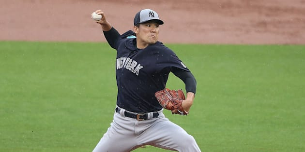 CLEARWATER, FL - MARCH 29: Masahiro Tanaka #19 of the New York Yankees pitches during the second inning of the Spring Training Game against the Philadelphia Phillies on March 29, 2016 at Bright House Field, Clearwater, Florida. (Photo by Leon Halip/Getty Images)