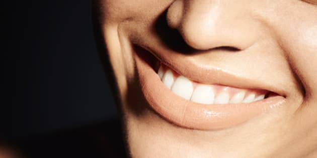 Natural Ways To Whiten Your Teeth Huffpost Canada