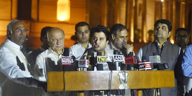 NEW DELHI, INDIA - MARCH 29: Congress leader Jyotiraditya Scindia with others speaks to the media after meeting with President at Rashtrapati Bhavan over Uttarakhand crisis on March 29, 2016 in New Delhi, India. (Photo by Sanjeev Verma/Hindustan Times via Getty Images)