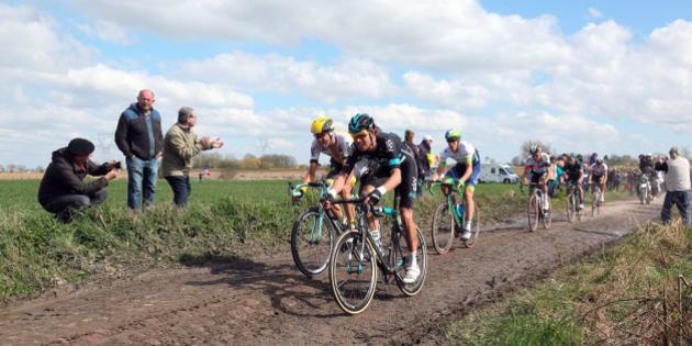ROUBAIX, FRANCE - APRIL 10:  Paris-Roubaix 2016 Cycle Race winner australian Matthew Hayman (3rd racer from L - Orica team) cycles on Mons-en-Pevele cobble-stoned section during Paris-Roubaix Race on April 10, 2016 in Roubaix, France.  (Photo by Sylvain Lefevre/Getty Images)