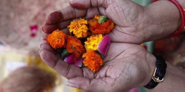 Hindu prayer, Flower offering.