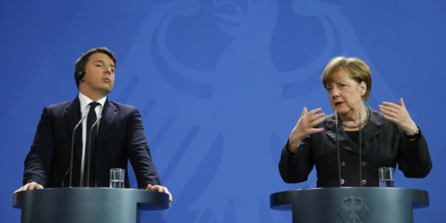 German Chancellor Angela Merkel and Italian Prime Minister Matteo Renzi address a news conference at the Chancellery in Berlin, Germany, January 29, 2016.      REUTERS/Fabrizio Bensch