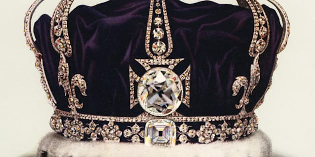 Vintage illustration of the State Crown of Queen Mary, Consort of George V, part of the Crown Jewels of England (chromolithograph), 1919. The crown contains 2,200 diamonds, including the famous Koh-i-Noor, Cullinan III and Cullinan IV gems. (Photo by GraphicaArtis/Getty Images)