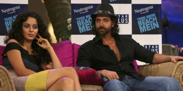 Bollywood actors Kangana Ranaut (L) and Hrithik Roshan attend a news conference for their upcoming movie 'Kites' on the sets of director Farah Khan's chat show at Filmcity studios in Mumbai August 16, 2009. REUTERS/Manav Manglani (INDIA ENTERTAINMENT)