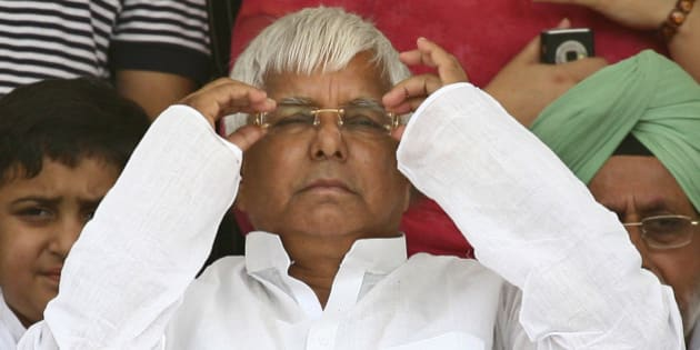 India's Rashtriya Janata Dal (RJD) chief Lalu Prasad Yadav attends an election campaign rally in the northern Indian city of Chandigarh May 11, 2009. India is holding a general election between April 16 and May 13.  REUTERS/Ajay Verma (INDIA POLITICS ELECTIONS)