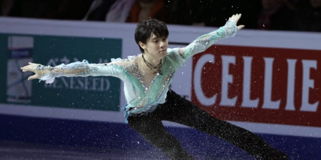 Yuzuru Hanyu, of Japan, skates during the exhibition program at the World Figure Skating Championships, Sunday, April 3, 2016, in Boston. (AP Photo/Steven Senne)