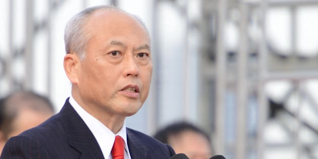 TOKYO, JAPAN - JANUARY 06: Governor of Tokyo, Yoichi Masuzoe speaks during the New Year's fire drill at the Tokyo Big Sight on January 6, 2016 in Tokyo, Japan. According to the Tokyo Fire Department, more than 2000 firefighters and volunteers, and 157 firefighting vehicles (including 5 helicopters and 8 boats) participated in this annual drill, where the participants demonstrated the traditional ladder stunts and the latest rescue/ firefighting techniques.  (Photo by Takashi Aoyama/Getty Images)