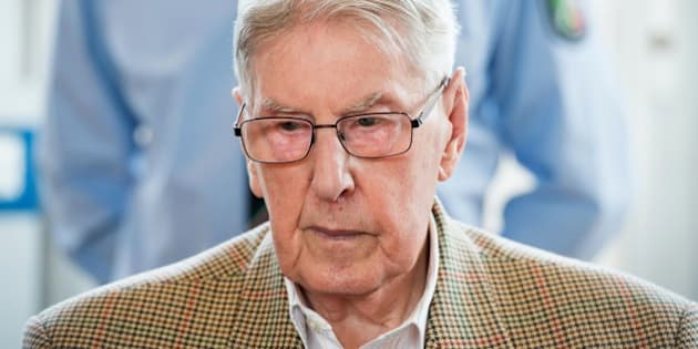 Former Auschwitz guard Reinhold Hanning is seen in court waiting for the continuation of his trial at the court in Detmold, western Germany,on April 28, 2016.