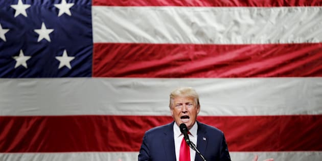U.S. Republican presidential candidate Donald Trump speaks to supporters during a campaign rally at Mid-Hudson Civic Center in Poughkeepsie, New York, U.S. April 17, 2016.  REUTERS/Eduardo Munoz/File Photo