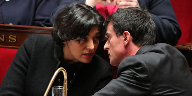 French Prime Minister Manuel Valls (R) speaks with French Labour Minister Myriam El Khomri (L) during the questions to the government session at the National Assembly in Paris, France, March 30, 2016.   REUTERS/Charles Platiau