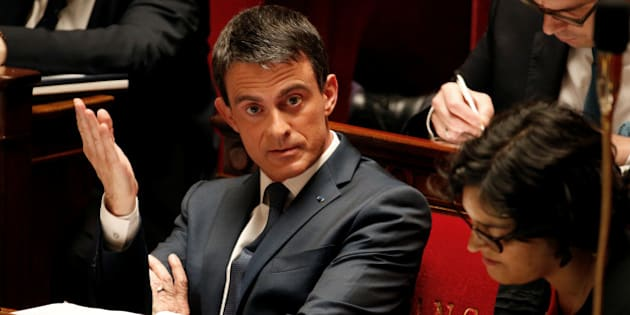 French Prime Minister Manuel Valls reacts before a no-confidence vote against French government at the National Assembly in Paris, France, May 12, 2016.  REUTERS/Charles Platiau