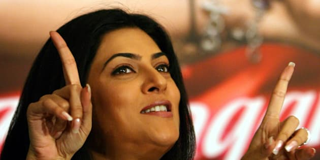 Bollywood star Sushmita Sen attends a news conference to promote her upcoming film 'Zindaggi Rocks', or 'Life Rocks', in Mumbai October 4, 2006.  REUTERS/Punit Paranjpe  (INDIA)