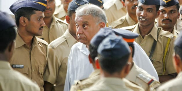 MUMBAI, INDIA - NOVEMBER 20: Former media baron Peter Mukerjea arrested by CBI for murder and criminal conspiracy in the Sheena Bora murder case and taken from CBI office at Nariman Point to Killa court on November 20, 2015 in Mumbai, India. Peter, who is in CBI custody till November 23, is the husband of Indrani, the prime accused and mother of Sheena Bora in the case. (Photo by Anshuman Poyrekar/Hindustan Times via Getty Images)