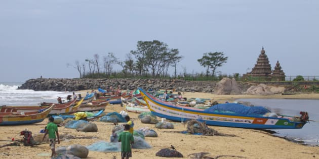 India, Tamil Nadu, Mahabalipuram, Sight of fishermen. (Photo by: JTB Photo/UIG via Getty Images)