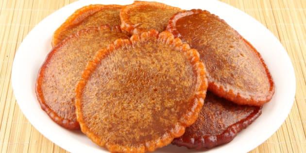 Neyyappam-Neyyappam is a Kerala specialty. Neyyappam literally means sweet rice fritters fried in Ghee