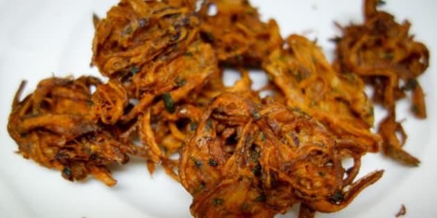 Mumbai Street Food / Onion Bhajji