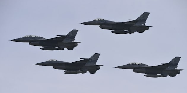 Pakistani F-16 fighter jets fly past during the Pakistan Day military parade in Islamabad on March 23, 2016.    Pakistan National Day commemorates the passing of the Lahore Resolution, when a separate nation for the Muslims of The British Indian Empire was demanded on March 23, 1940. / AFP / AAMIR QURESHI        (Photo credit should read AAMIR QURESHI/AFP/Getty Images)