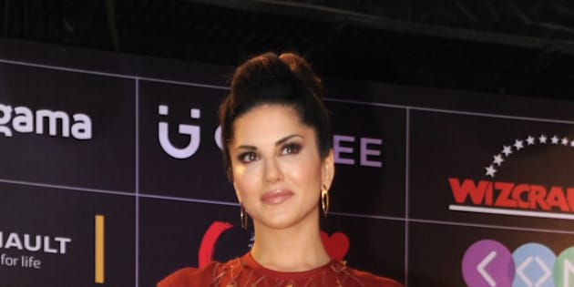 Indian Bollywood actress Sunny Leone attends the Global Indian Music Academy (GIMA) awards ceremony in Mumbai on April 6, 2016. / AFP / -        (Photo credit should read -/AFP/Getty Images)
