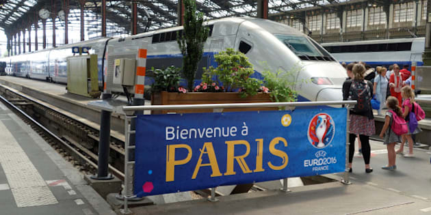 A welcoming banner for the Euro 2016 Championship is seen at the Gare de Lyon railway station in Paris, during a national railway strike by French railway unions workers from the France's rail-operator SNCF, France, June 7, 2016. REUTERS/Charles Platiau