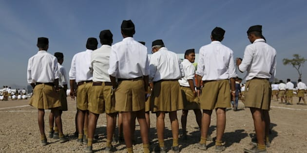 Volunteers of the Hindu nationalist organisation Rashtriya Swayamsevak Sangh (RSS) arrive to attend a conclave on the outskirts of Pune, India, January 3, 2016. Thousands of volunteers attended the gathering which was held to promote the organisation and reach out to the society, according to local media reports.  REUTERS/Danish Siddiqui