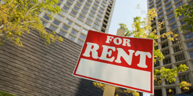 'For, rent, sign, in, front, of, apartment, buildings'