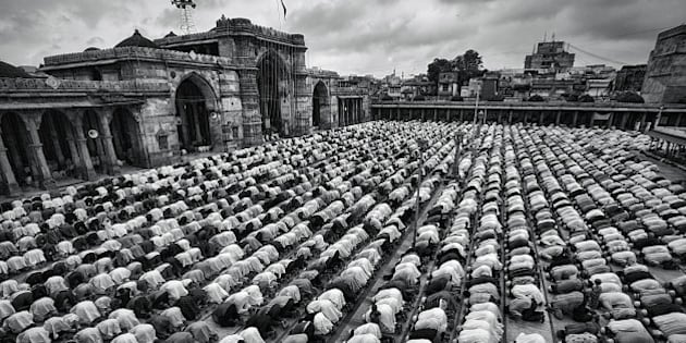 Obeisance paid by Muslims on auspicious day of their biggest festival Ramzan Eid at Jamma Mosque, Ahmedabad.