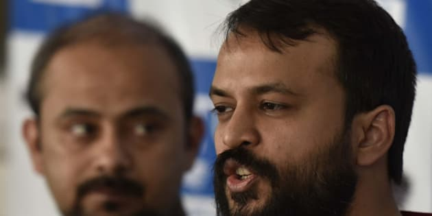 NEW DELHI, INDIA - MAY 14: AAP leaders Dilip Pandey and Ashish Khetan addressing a press conference against Narendra Modi's government and his graduation degree at AAP office, on May 14, 2016 in New Delhi, India. The Party leader Ashutosh said that the degree certificates and mark sheets had many discrepancies. AAP refused to back down on the issue of Prime Minister Narendra Modi's educational qualifications and questioned the authenticity of the documents displayed. (Photo by Virendra Singh Gosain/Hindustan Times via Getty Images)