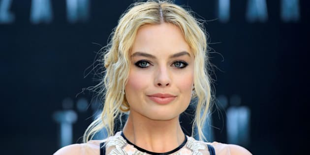 """Australian actress Margot Robbie poses at the European premiere of the film """"The Legend of Tarzan"""" at Leicester Square in London, England, July 5, 2016. REUTERS/Paul Hackett"""