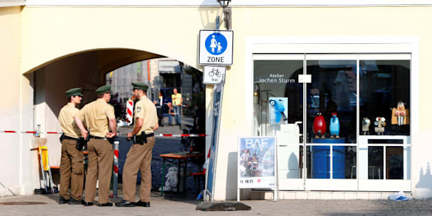 Police secure the area after an explosion in Ansbach, Germany, July 25, 2016. REUTERS/Michaela Rehle
