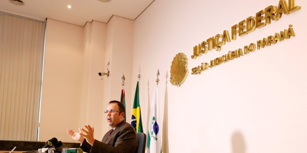 Federal judge Marcos Jesegrei da Silva gives a press conference about the pre-emptive arrest of 10 people belonging to a group supporting Islamic State, two weeks before the start of the 2016 Rio Olympics, in Curitiba, Brazil, July 21, 2016. REUTERS/Rodolfo Buhrer