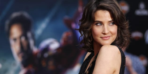 "Cast member Cobie Smulders poses at the world premiere of the film ""Marvel's The Avengers"" in Hollywood, California April 11, 2012. REUTERS/Danny Moloshok (UNITED STATES - Tags: ENTERTAINMENT PROFILE)"