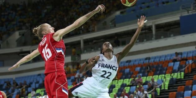 2016 Rio Olympics - Basketball - Final - Women's Bronze Medal Game France v Serbia - Carioca Arena 1 - Rio de Janeiro, Brazil - 20/8/2016. Danielle Page (SRB) of Serbia (L) and Olivia Epoupa (FRA) of France compete.    REUTERS/Shannon Stapleton    FOR EDITORIAL USE ONLY. NOT FOR SALE FOR MARKETING OR ADVERTISING CAMPAIGNS.