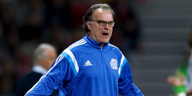 FILE PHOTO - Olympique Marseille coach Marcelo Bielsa reacts during their French Ligue 1 soccer match soccer match against Lille at Pierre Mauroy stadium in Villeneuve d'Ascq near Lille, France, May 16, 2015. REUTERS/Pascal Rossignol/File Photo