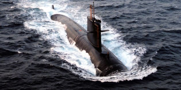"The French nuclear-powered submarine Emeraude is seen in this undated file photo released June 10, 2009 by the French Defence Ministry. The Emeraude, with advanced sonar equipment was due to begin searching on Wednesday for the ""black box"" flight recorders of the Air France airliner which crashed into the Atlantic Ocean last week, the French military said.  REUTERS/HO/ECPAD/Marine Nationale    (FRANCE MILITARY DISASTER TRANSPORT)"