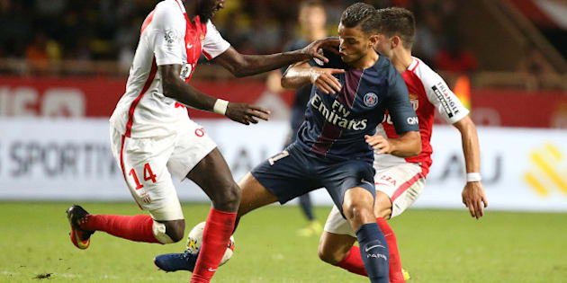 Football Soccer - Monaco v Paris St Germain - French Ligue 1 - Louis II stadium, 28/08/16. Paris St Germain's Hatem Ben Arfa (C) in action with Monaco's Tiemoue Bakayoko.  REUTERS/Eric Gaillard