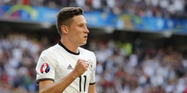 Football Soccer - Germany v Slovakia - EURO 2016 - Round of 16 - Stade Pierre-Mauroy, Lille, France - 26/6/16