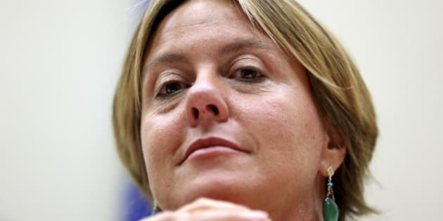 Italy's Health Minister Beatrice Lorenzin attends a news conference with Defense Minister Roberta Pinotti (not pictured)in Rome September 18, 2014. Italy said on Thursday that it would grow medical marijuana at a military lab in Florence and distribute it through pharmacies in order to slash costs and make it more easily available to the sick. REUTERS/Alessandro Bianchi (ITALY - Tags: POLITICS HEALTH DRUGS SOCIETY HEADSHOT MILITARY)