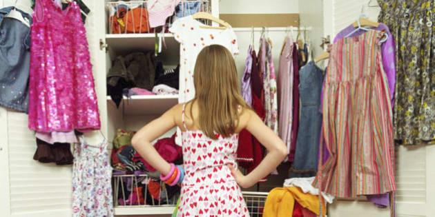 Compriamo una quantità impressionante di vestiti. E molti di questi sono  destinati alla discarica 564b5d3cf3b