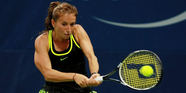 NEW YORK, NY - SEPTEMBER 01:  Annika Beck of Germany returns a shot to Elena Vesnina of Russia during her second round Women's Singles match on Day Four of the 2016 US Open at the USTA Billie Jean King National Tennis Center on September 1, 2016 in the Flushing neighborhood of the Queens borough of New York City.  (Photo by Michael Reaves/Getty Images)