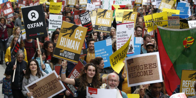 Demonstrators including refugees march to the Houses of Parliament, during an Amnesty International protest in support of refugees, in London, Britain September 17, 2016.  REUTERS/Peter Nicholls