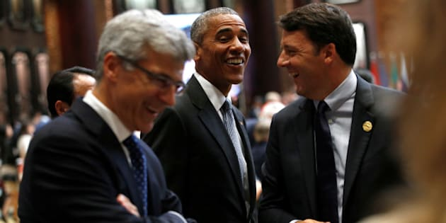 U.S. President Barack Obama (C) talks to Italian Prime Minister Matteo Renzi (R) during the opening of the G20 Summit in Hangzhou, Zhejiang province, China, September 4, 2016. REUTERS/Aly Song
