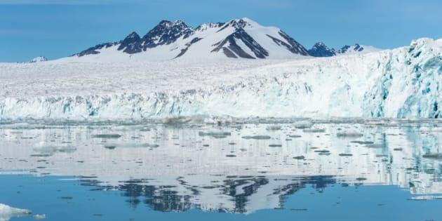 Lilliehook glacier in Lilliehook fjord a branch of Cross Fjord, Spitsbergen Island, Svalbard archipelago, Norway