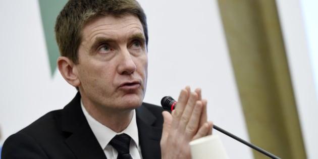 """Le maire de Sevran accuse Bernard de la Villardière de """"jeter de l'huile sur le feu"""" avec """"Dossier Tabou""""."""