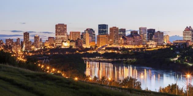 Canada, Alberta, Edmonton, City skyline