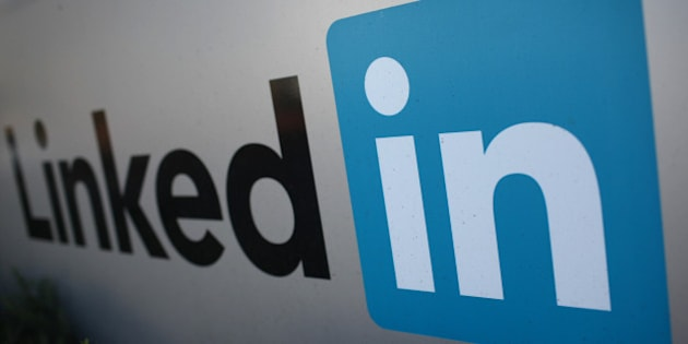 The logo for LinkedIn Corporation, a social networking website for people in professional occupations, is pictured in Mountain View, California February 6, 2013.  REUTERS/Robert Galbraith  (UNITED STATES - Tags: SCIENCE TECHNOLOGY BUSINESS)