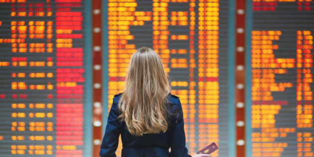 Descubra melhor dia e horário para comprar passagem mais barata nas companhias aéreas.